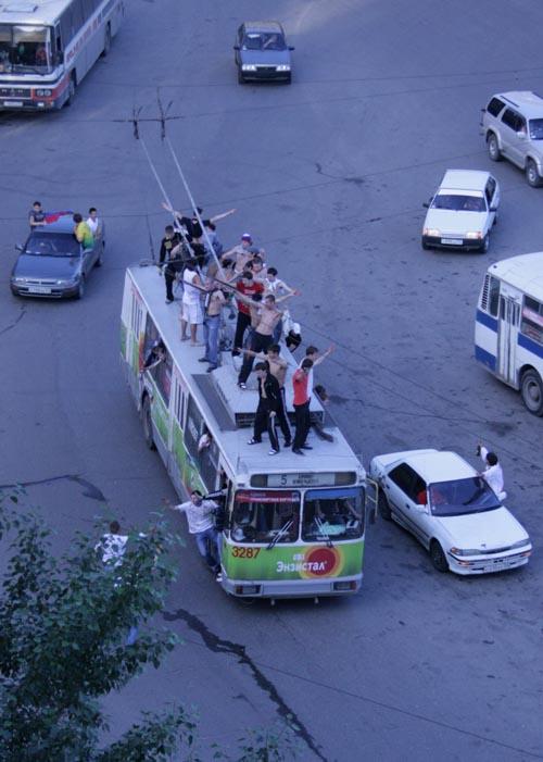 площадь Калинина в Новосибирске после победы России над Голландией